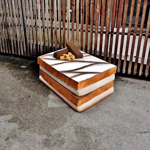 """eat me 1000 feuille 1 - Lor-K redéfinit la """"street food"""" avec ses sculptures éphémères 100% récup !"""