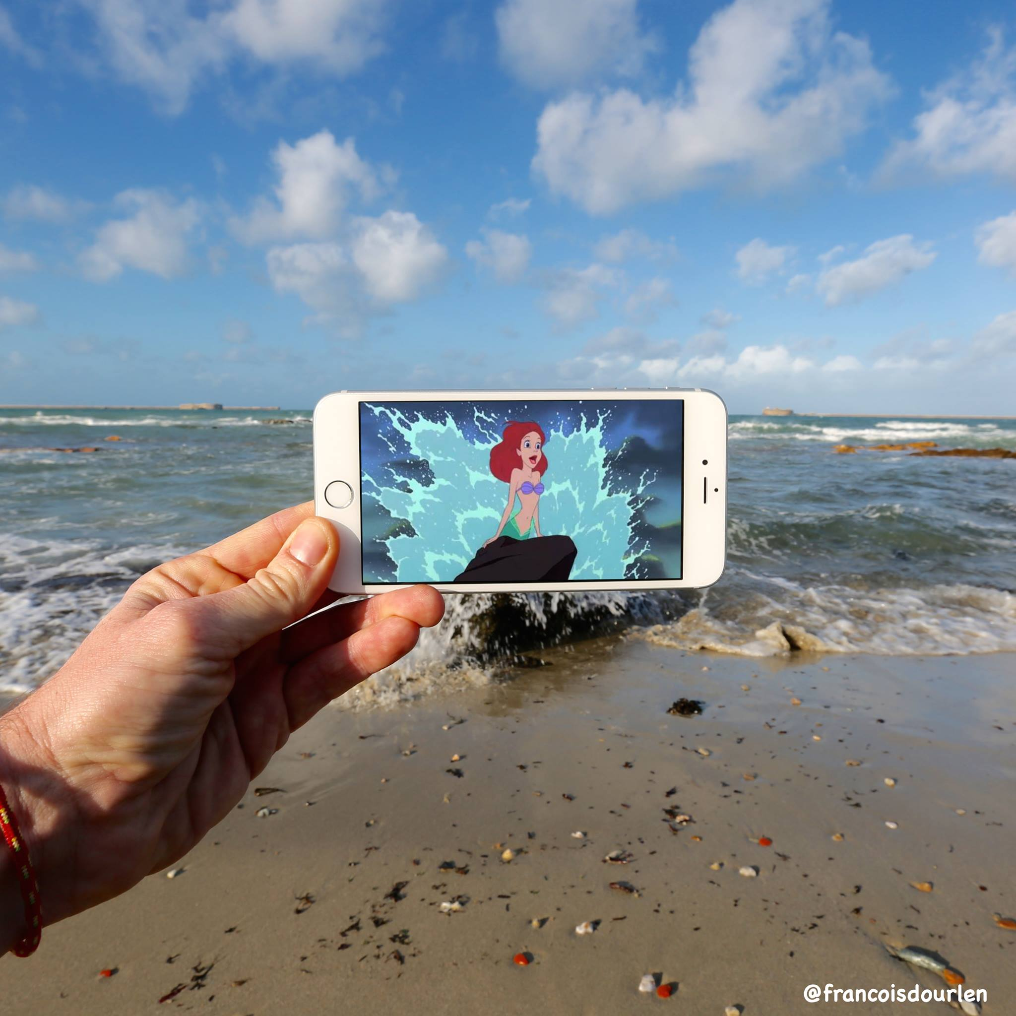 126337066078933226846915459142553193656244ojpg - - François Dourlen - </br> L'illusionniste au smartphone