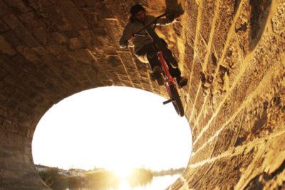 Cover NCambon desktop 400x268 - Nowhere to ride : à la découverte de spots BMX hors normes