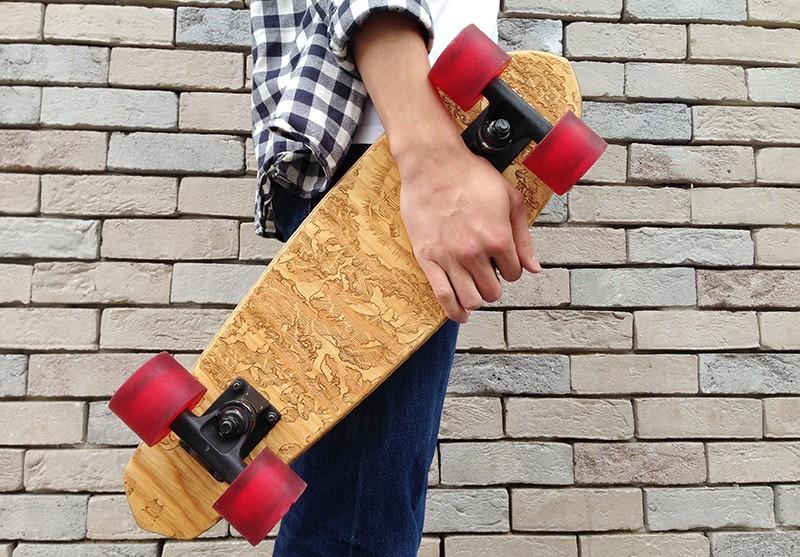 fabrication dun skateboard personnalise - Des idées de cadeaux cools à offrir à Noël aux amateurs de tendances urbaines