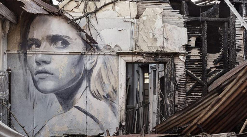 – Rone – Ses portraits de femmes réveillent des lieux abandonnés