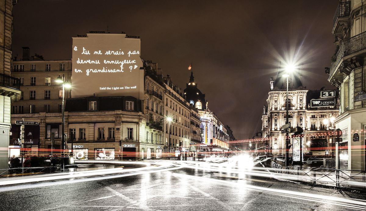 paintingwithligths 55bd06571b32722 - Philippe Echaroux, quand le street art 2.0 mixe le poids des mots au choc des photos !