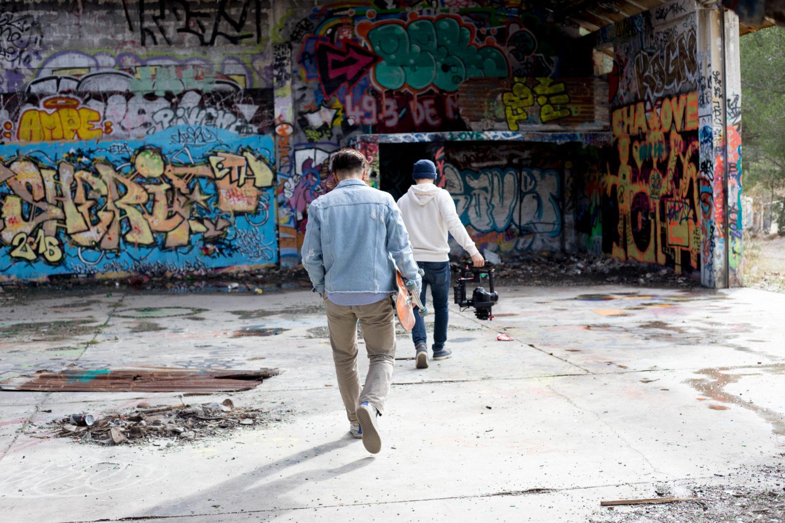 urbex jeanpantaleo skate Marseille LaCaverne tags graffitiIMG7128 - Des tricks et du freestyle avec Jean Pantaleo dans un skatepark 100% DIY