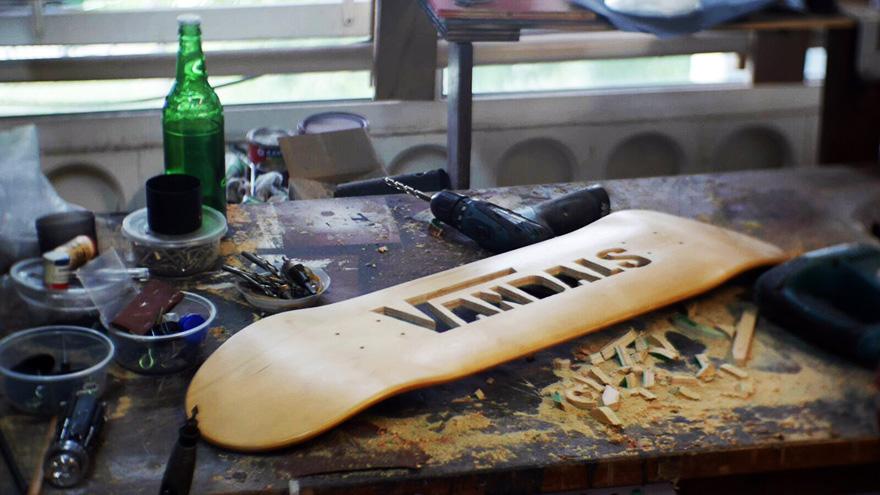CannotBeBoardered urbanartfair exposition foire expo horslesmurs parcours skate oeuvre arturbain streetart espacecommines cultureskateboard biere vandals - Urban Art Fair : la foire qui booste le marché du street art