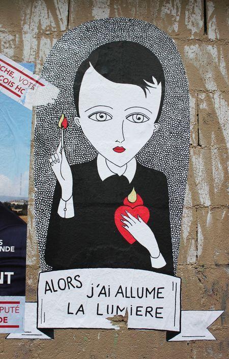 fredlechevaliercollagestreetartartisteurbainpersonnagesblancnoirlumiere - Fred Le Chevalier : quand poésie urbaine et collages s'entremêlent