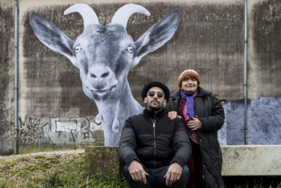 Agnes_Varda_JR_documentaire_Visages_Villages_arturbain_streetart_chevre_RADAR_cover_article_Base_72dpi