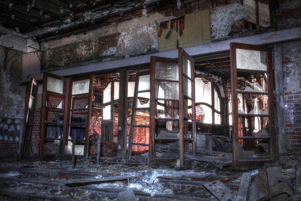 garypalacetheaterindianasalleconcertabandonneeurbex2 - Salles de concert abandonnées : ces spots urbex où plane le silence