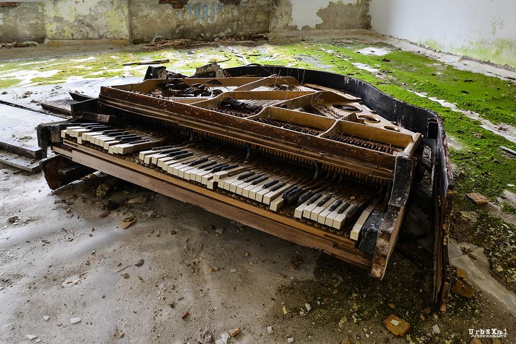 musicschoolpripyatukrainesalleconcertabandonneeurbex4 - Salles de concert abandonnées : ces spots urbex où plane le silence
