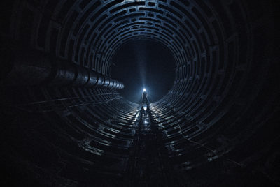 Radar-urbexseries-hittheroad-kiev-metro-abandon-explorationurbaine-parkour-ninjawarrior-redlight-ninjawarrior-tunnel-flashlight-cover_article_Base_72dpi