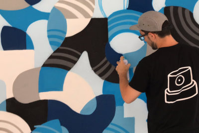 colorama festival street art biarritz artistes couleurs bleu ete RADARcoverarticleBase72dpi 400x268 - Colorama, le rendez-vous street art de l'été