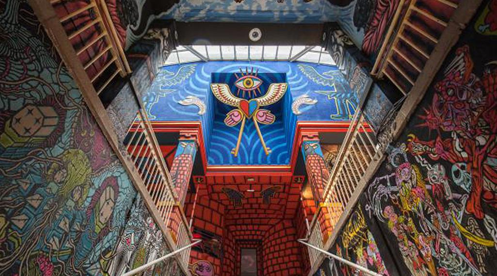 «Entrez Libre» : 10 street artistes redorent les murs d'une ancienne prison