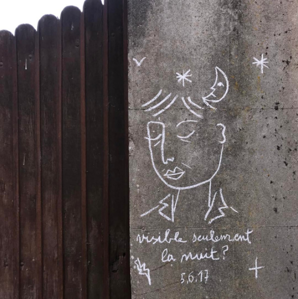 jc de castelbajac craieteur street art craie10 - Craieateur : quand JC de Castelbajac poétise la ville