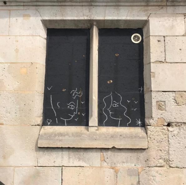 jc de castelbajac craieteur street art craie3 - Craieateur : quand JC de Castelbajac poétise la ville