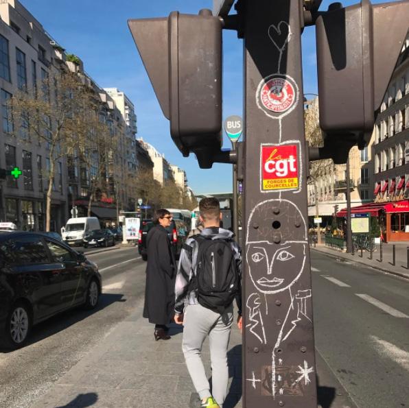 jc de castelbajac craieteur street art craie7 - Craieateur : quand JC de Castelbajac poétise la ville