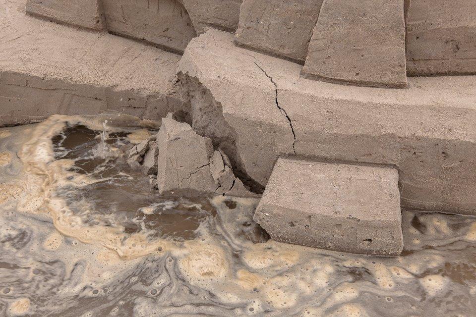 DAIM street artiste sand art graffiti sculpture sable plage ete5 - Daim, le marchand de sable du graffiti 3D