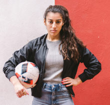 Lisa Zimouche, la reine du football freestyle