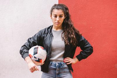 Lisa-Zimouche-football-freestyle-championne-RADAR_cover_article_Base_72dpi