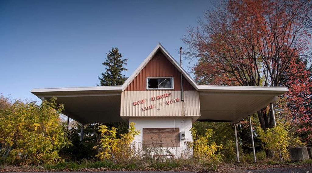 Un étrange camping abandonné plante sa tente au Canada