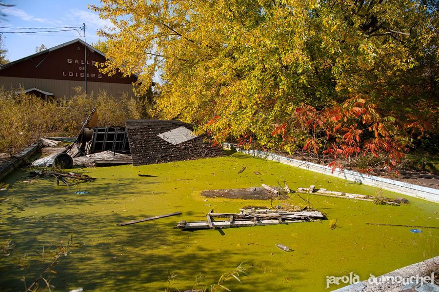 camping abandonne canada urbex vacances ete - Un étrange camping abandonné plante sa tente au Canada