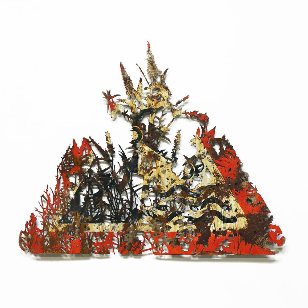 dan rawlings decoupe panneau signalisation ombre foret radar arturbain - Dan Rawlings sculpte des forêts dans des épaves en métal
