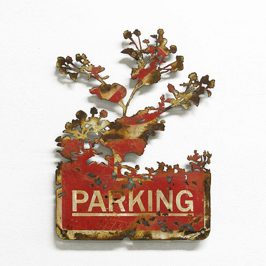 dan rawlings decoupe parking panneau ombre foret radar arturbain - Dan Rawlings sculpte des forêts dans des épaves en métal