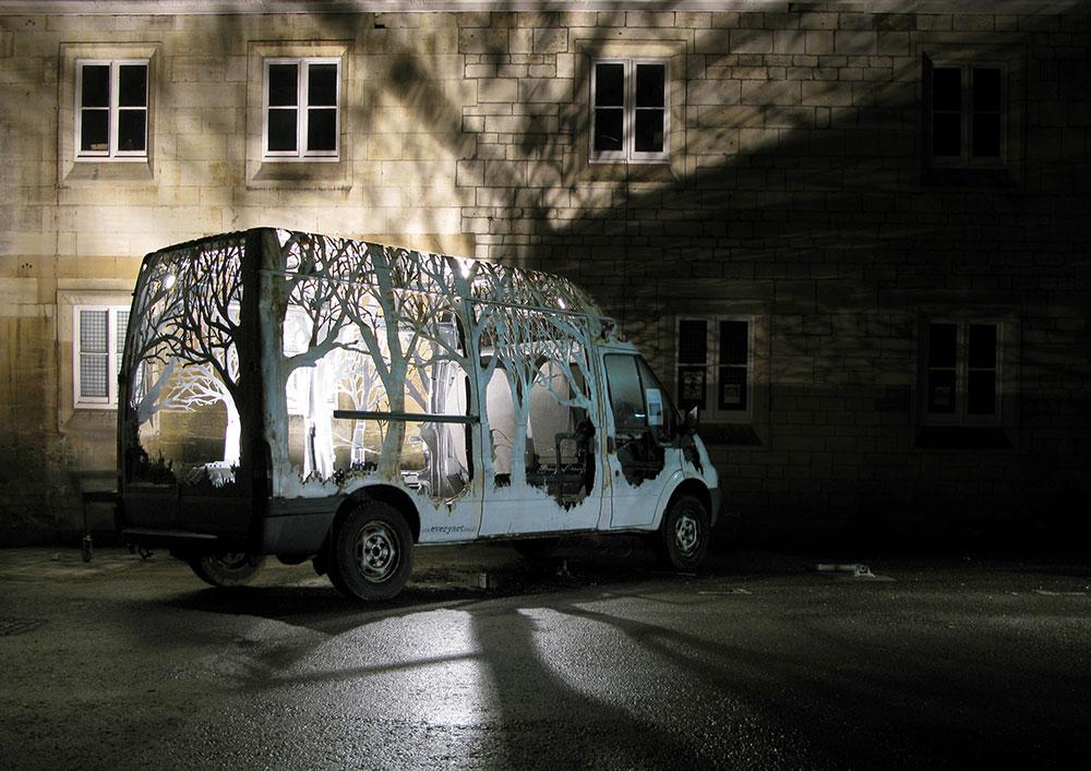 dan rawlings van - Dan Rawlings sculpte des forêts dans des épaves en métal