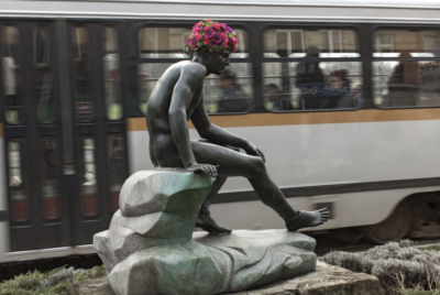 geoffroy-mottart-belgique-fleur-hacking-couronne-statue-arturbain-hermes