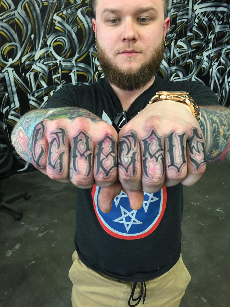 normwillrise streetartistes tatoueurs tatouage arturbain radar top5 allurbanmakers - Ces cinq artistes explosent les barrières entre graffiti et tatouage…