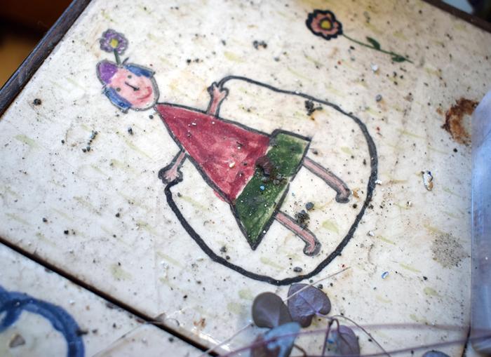 rentre ecole lieuxabandonnes urbex explorationurbaine graffiti maternelle marceau radar allurbanmakers glauqueland dessin enfant - De la maternelle à la fac, découvrez les plus belles écoles abandonnées !