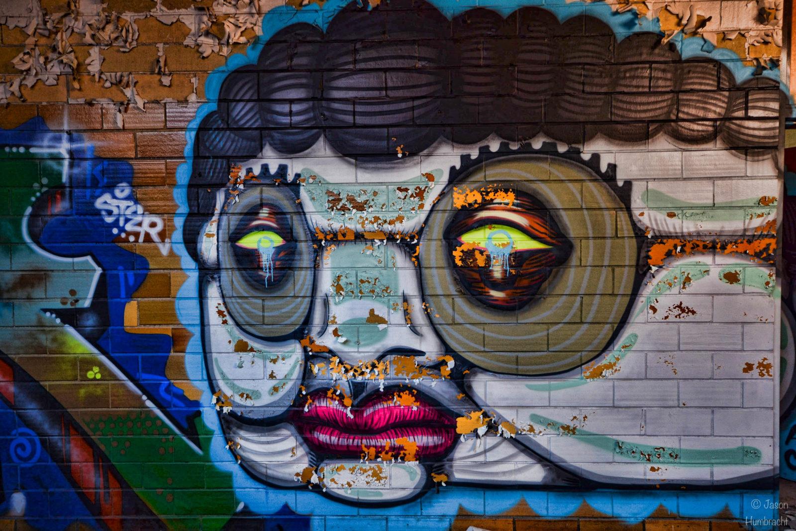 rentreescolaire lycee lieuxabandonnes urbex explorationurbaine radar allurbanmakers highschool amphitheatre jhumbracht graffiti - De la maternelle à la fac, découvrez les plus belles écoles abandonnées !