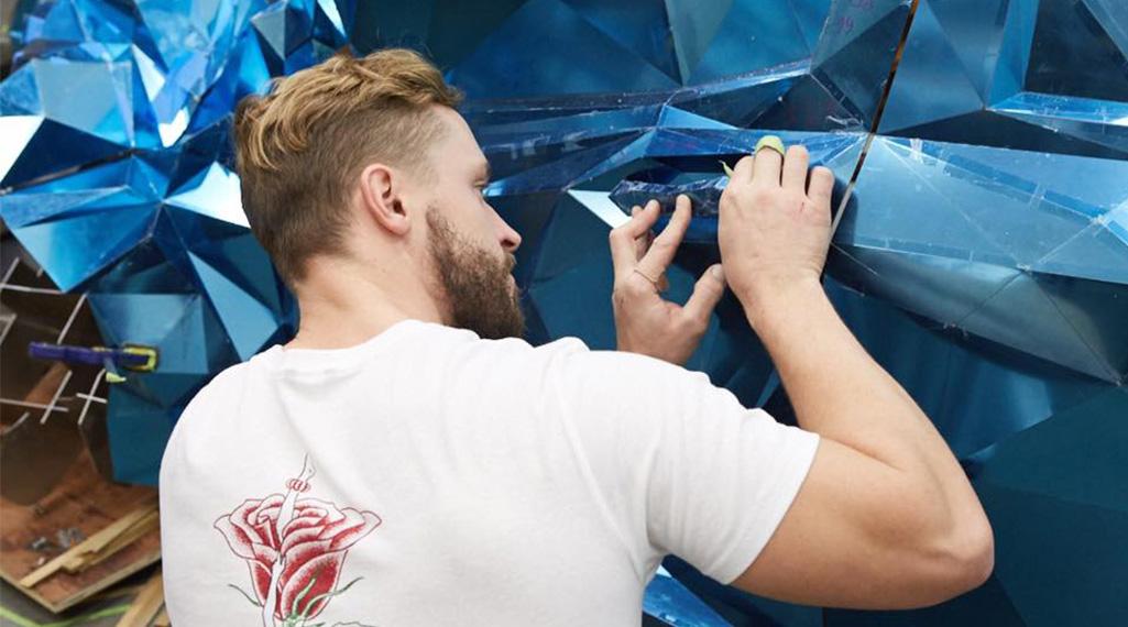 Jordan Griska, le sculpteur à l'univers miroitant