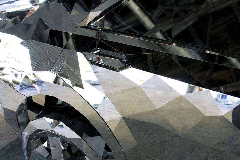 jordan griska wreck sculpture wreck2 - Jordan Griska, le sculpteur à l'univers miroitant