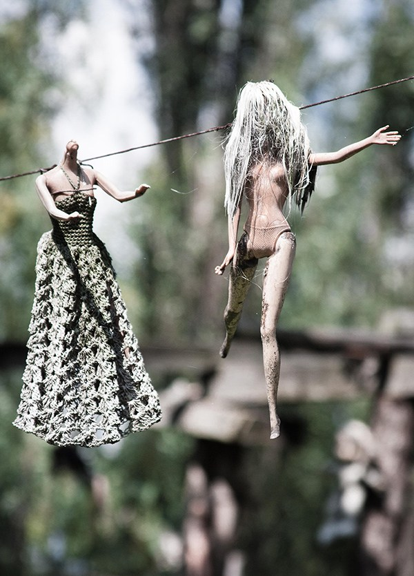 IsladelasMunecas nssr21 lileauxpoupees urbex halloween effrayant barbie decapitee - L'Île des poupées, l'un des lieux abandonnés les plus effrayants au monde