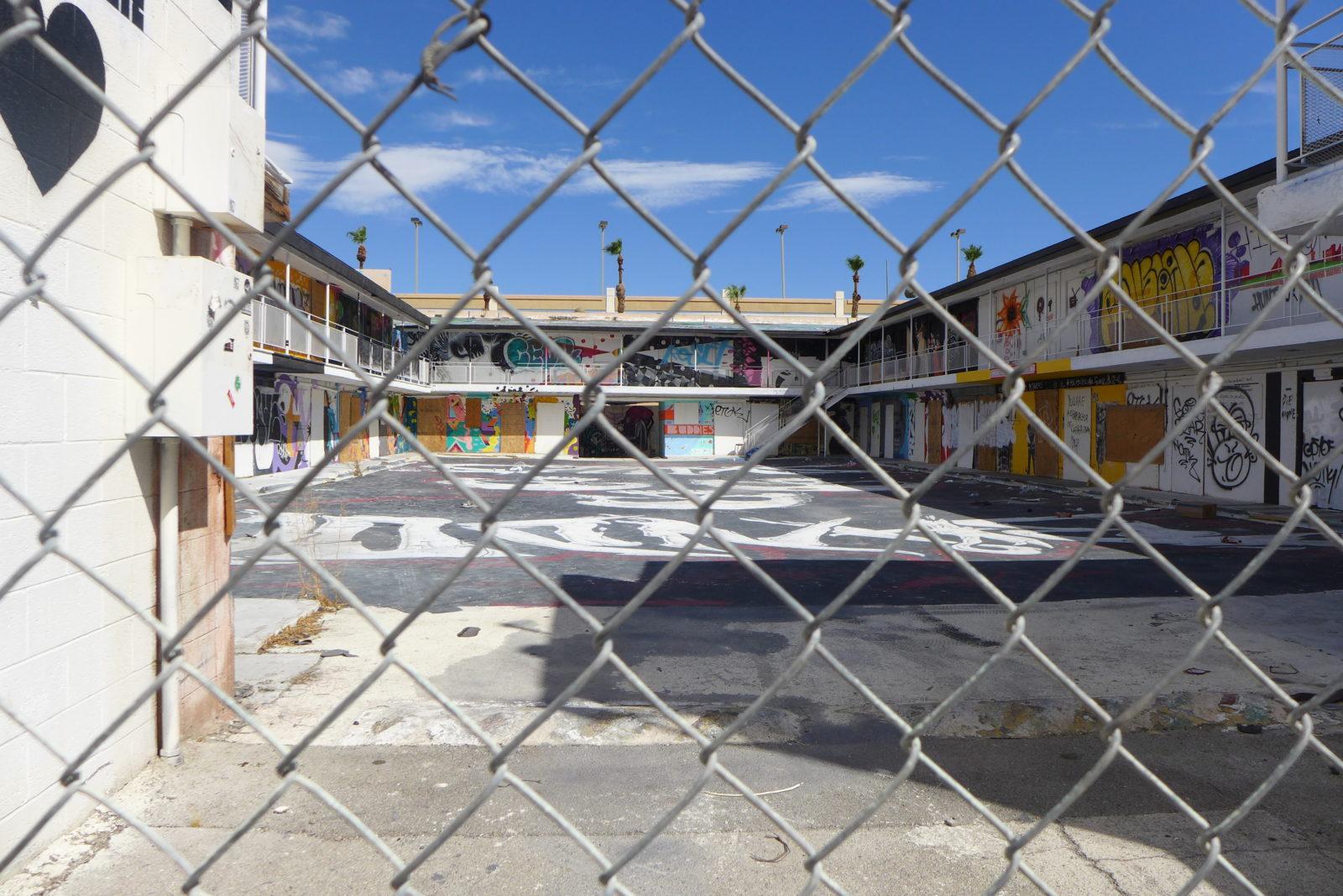 arturbain lasvegas street art murals radar graffitiP1060046 - À Las Vegas, un festival de street art et musique revitalise un quartier en perdition