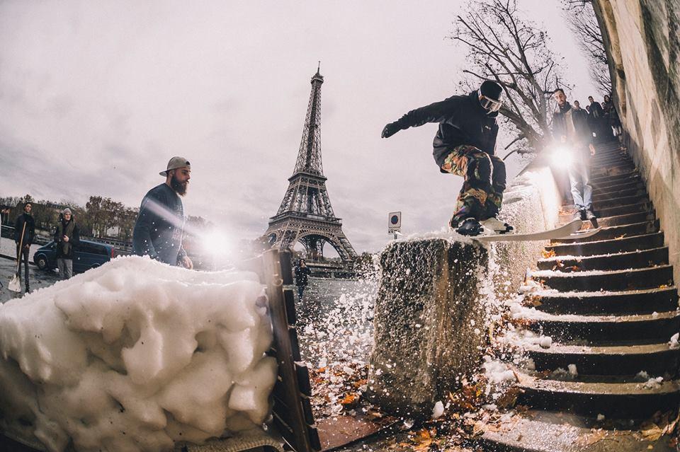 clever school riders collectif paris street ski tour eiffel - Clever School: la bande de riders paie sa soirée au YoYo !