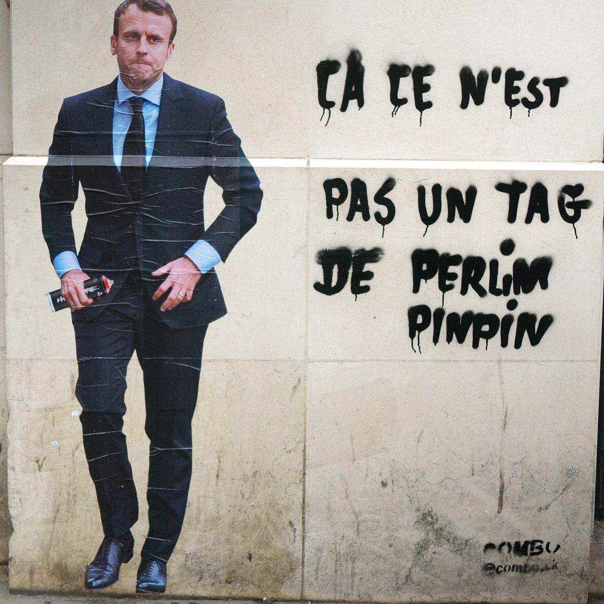combo arturbain streetart message politique radar paris DFwS1oDW0AAKUZy - Macron, Trump,... le street artiste Combo affiche les politiques avec ses tags satiriques