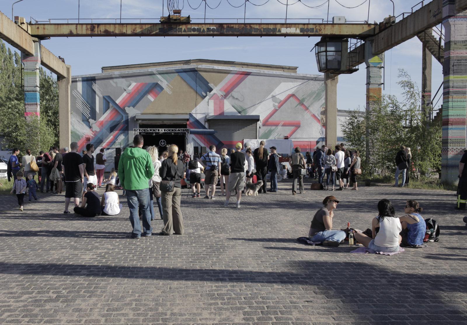 Halle ville allemande streetart fartbone toms hangar 1 - Désertée, la ville allemande de Halle reprend vie grâce au street art