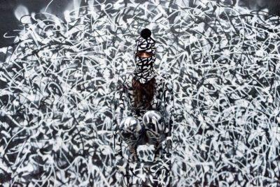 Sliks exposition groundeffect streetart calligraphie 400x268 - Sliks représente le pixaçao, graffiti vandale brésilien, à la galerie Ground Effect
