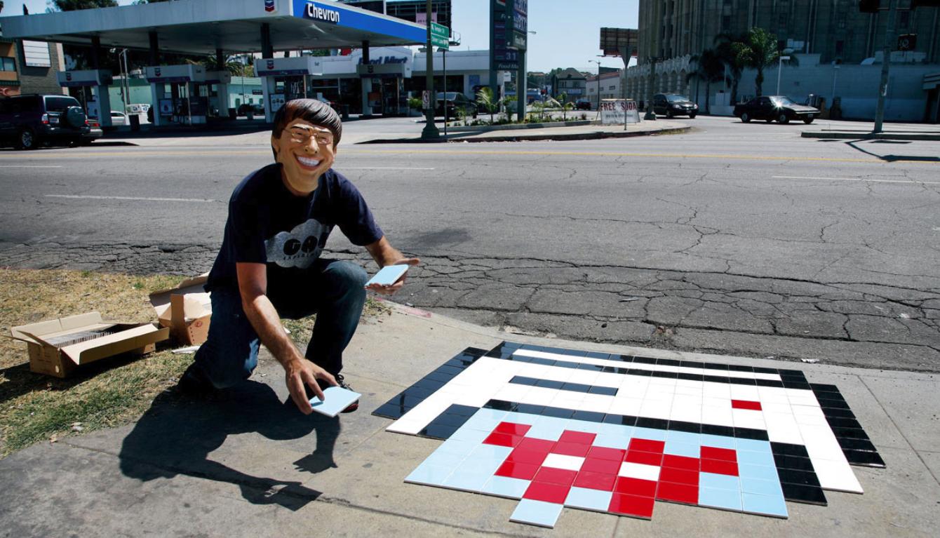 Invader Le Pixel Art Continue Denvahir Les Rues