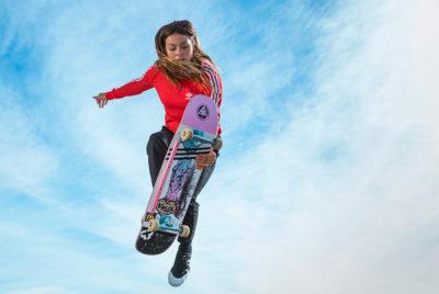 NoraVasconcellos 2 skate adidas video girl ciel skateboard 400x268 - Adidas tease sur le court-métrage dédié à Nora Vasconcellos, sa première skateuse pro
