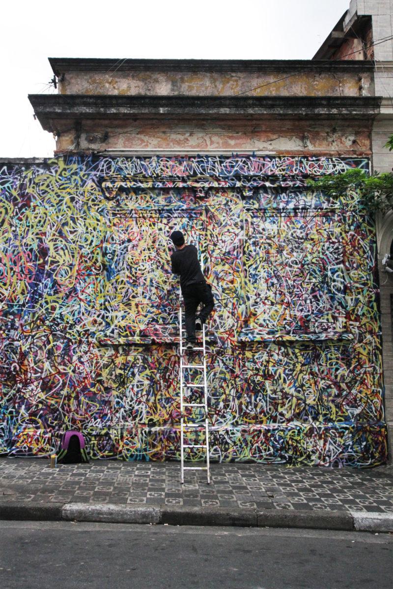 Rafael Sliks pixacao streetart groundeffect galerie exposition tumblrmq2ardqsus1rodsuqo11280 - Sliks représente le pixaçao, graffiti vandale brésilien, à la galerie Ground Effect