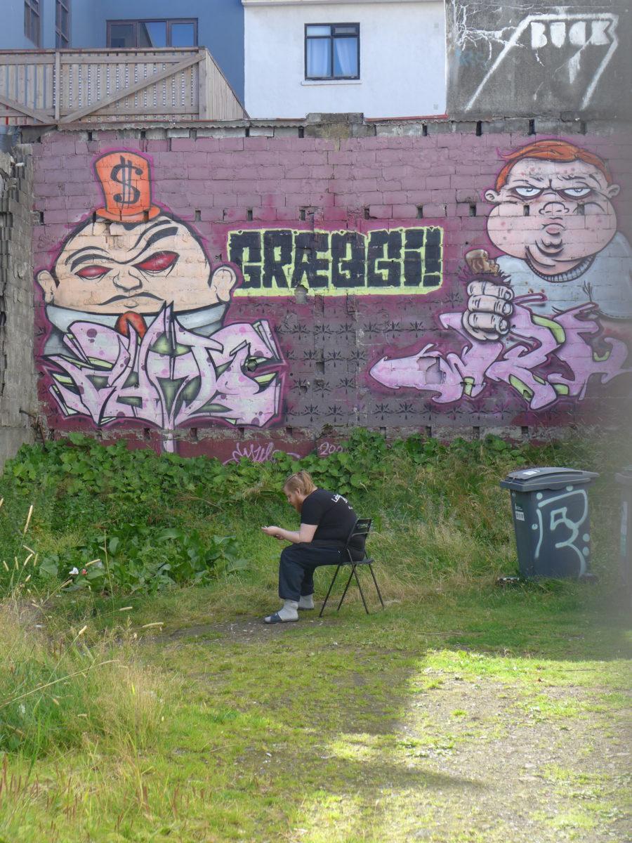 graeggi street art reykjavik soleil pause  - Focus sur Reykjavik : la capitale de l'Islande s'ouvre au street art !
