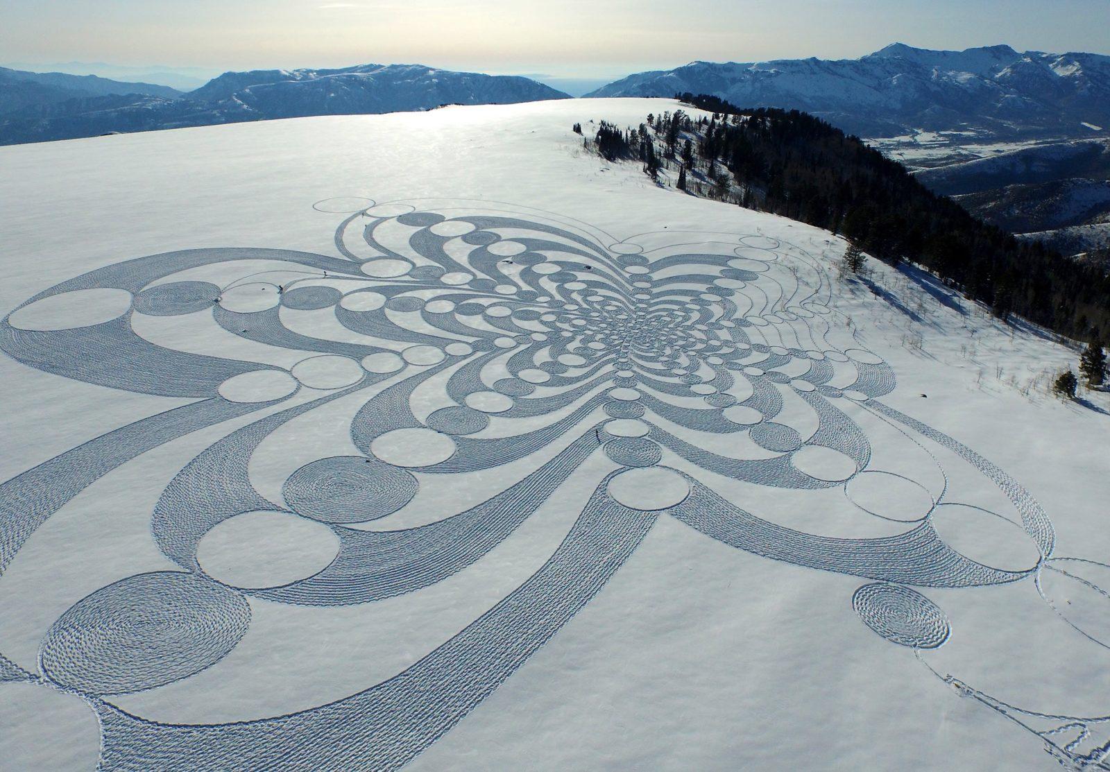 neige hiver creativite RADAR artistes snow art simon beck credit maxresdefault - À la montagne comme à la ville, ces artistes transforment la neige en véritables œuvres d'art