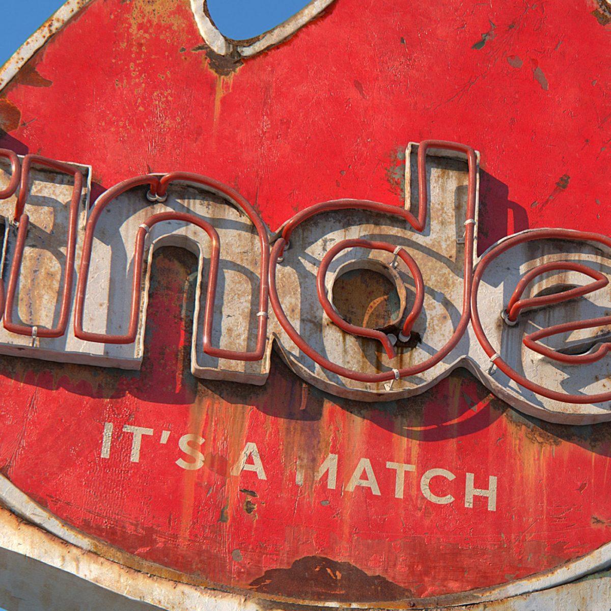 AndreiLacatusu social decay lettres logo enseigne typographie urbain urbex panneau - Social decay : les logos de Twitter, Facebook et Tinder transformés en enseignes vintage