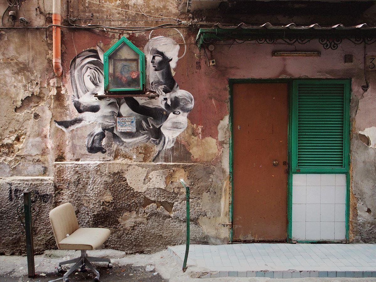 bosoletti murale basilique streetart peinture eglise arturbain autel - Les peintures murales de Bosoletti se révèlent en négatif