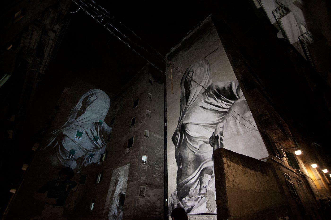 bosoletti murale basilique streetart peinture eglise arturbain marbre drape statue buste - Les peintures murales de Bosoletti se révèlent en négatif