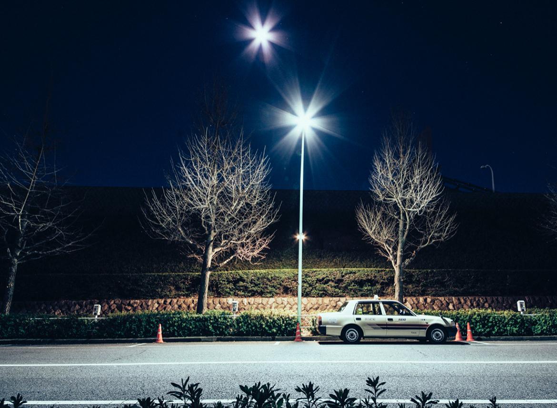 "genaro bardy tokyo japon desert photo taxi - ""Desert in the city"" : Genaro Bardy photographie Tokyo vidée de ses habitants"