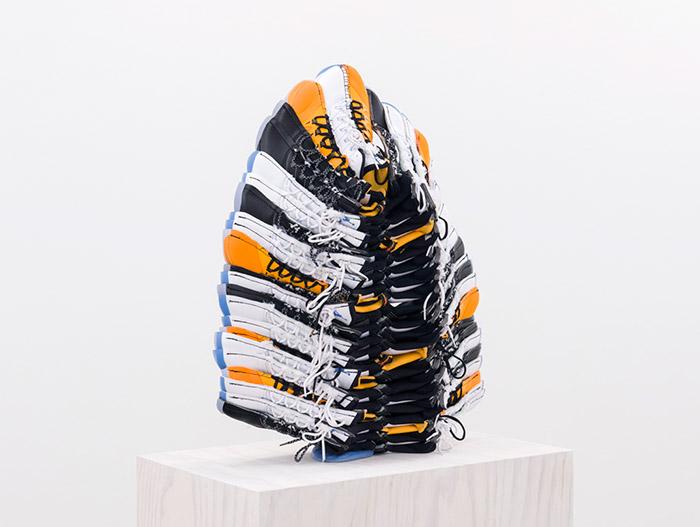 jungenlay down tender firedetail2015 16cjg201602 - Brian Jungen fait de vos sneakers préférées des masques traditionnels