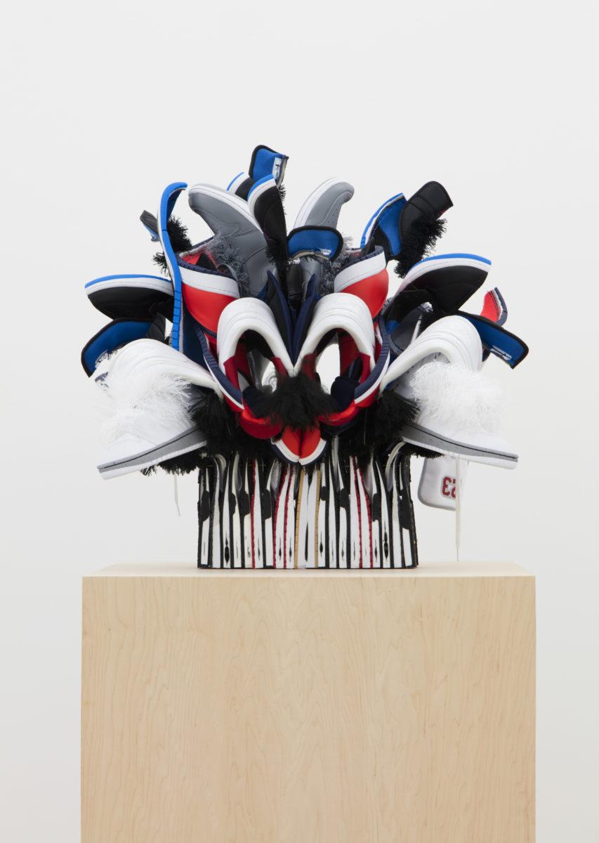 unnamed file - Brian Jungen fait de vos sneakers préférées des masques traditionnels