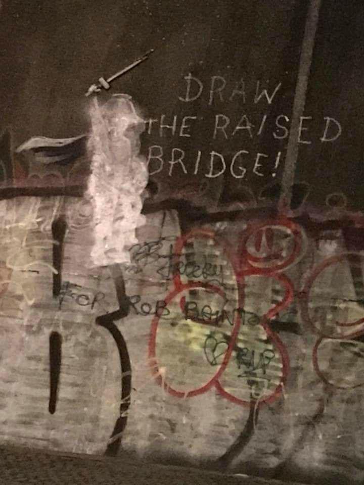 Jason Fanthorpe banksy hull fresque pont sauvetage graffiti vandalisme - Une œuvre de Banksy sauvée in-extremis par un laveur de vitre